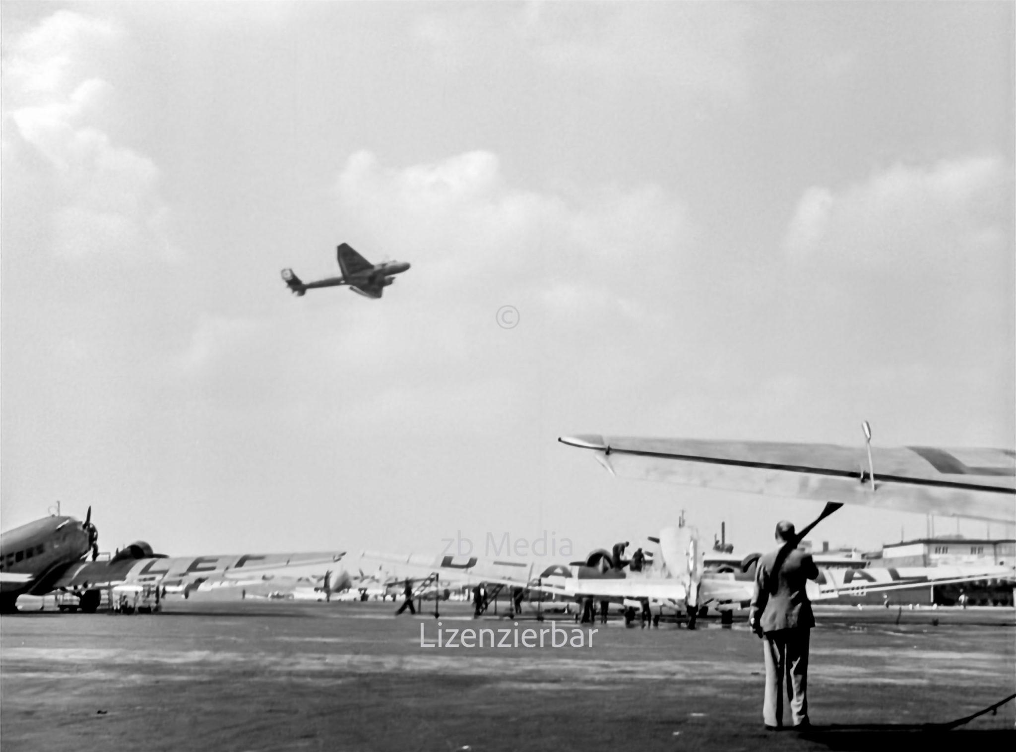 JU 86 C-1 am Flughafen Berlin Tempelhof 1937