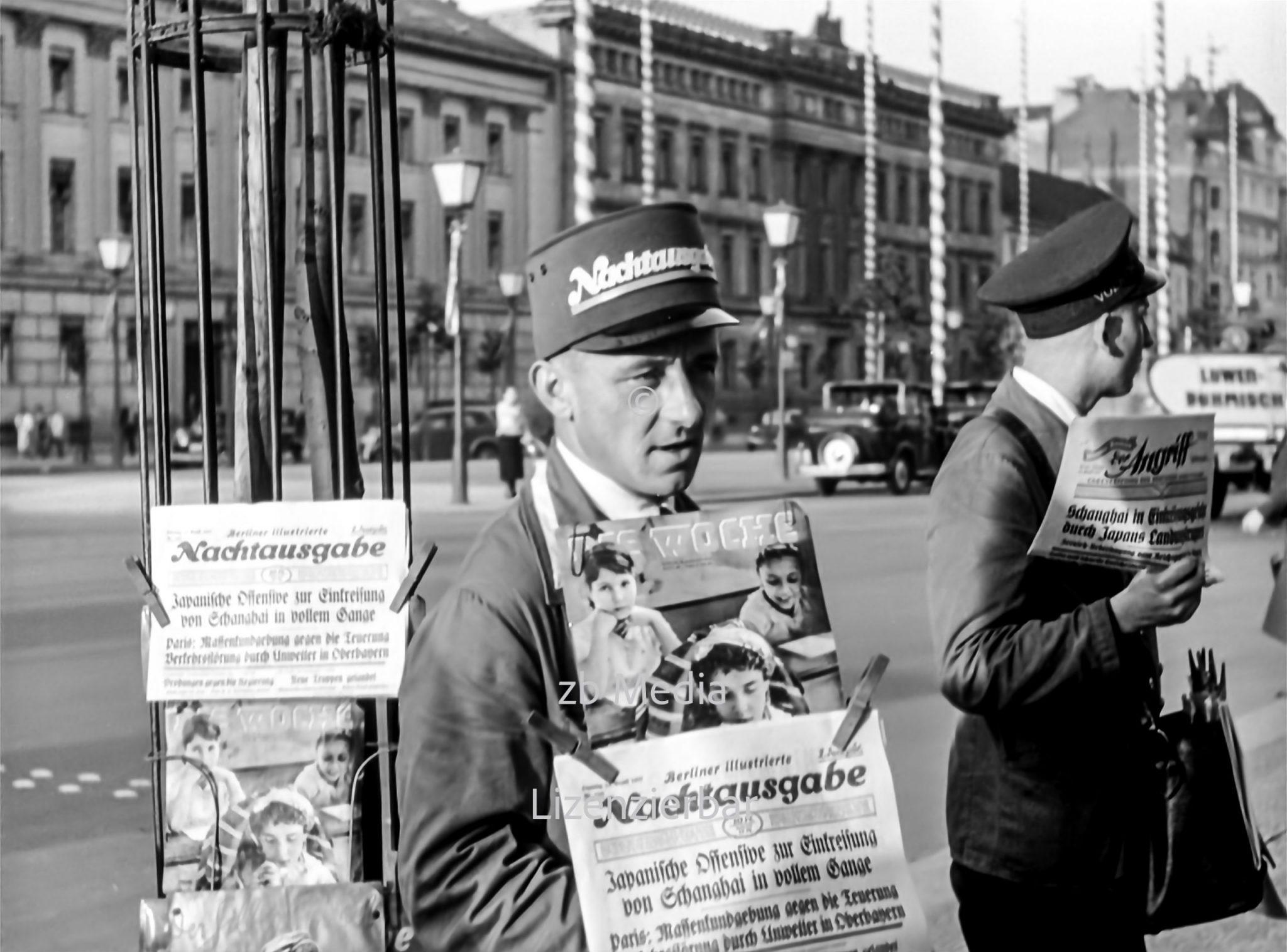 Zeitungsverkäufer in Berlin 1937