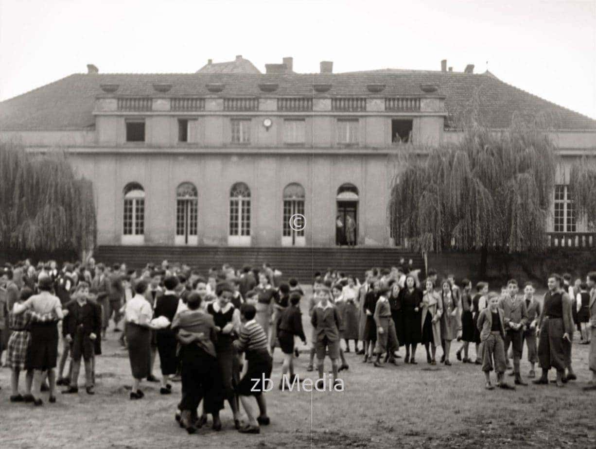 Pausenhof. Jüdische Goldschmidtschule in Berlin 1937