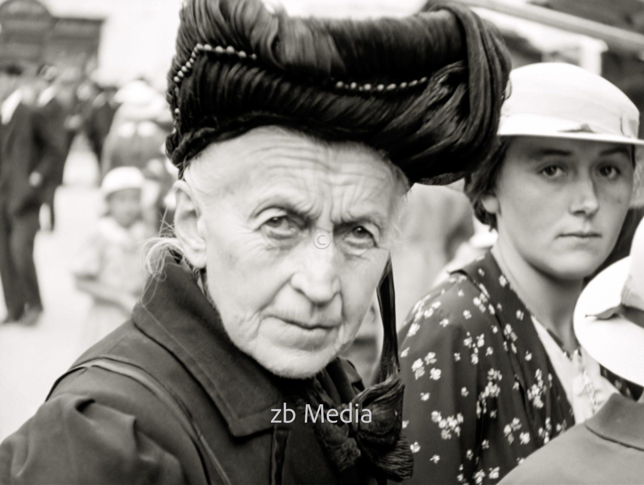 Frauen beim Markt in Steingaden 1937.