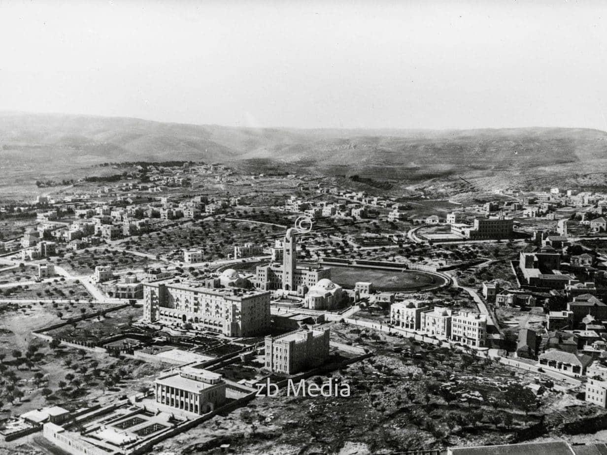 Flugaufnahme von Jerusalem Y.M.C.A. und King David Hotel 1935