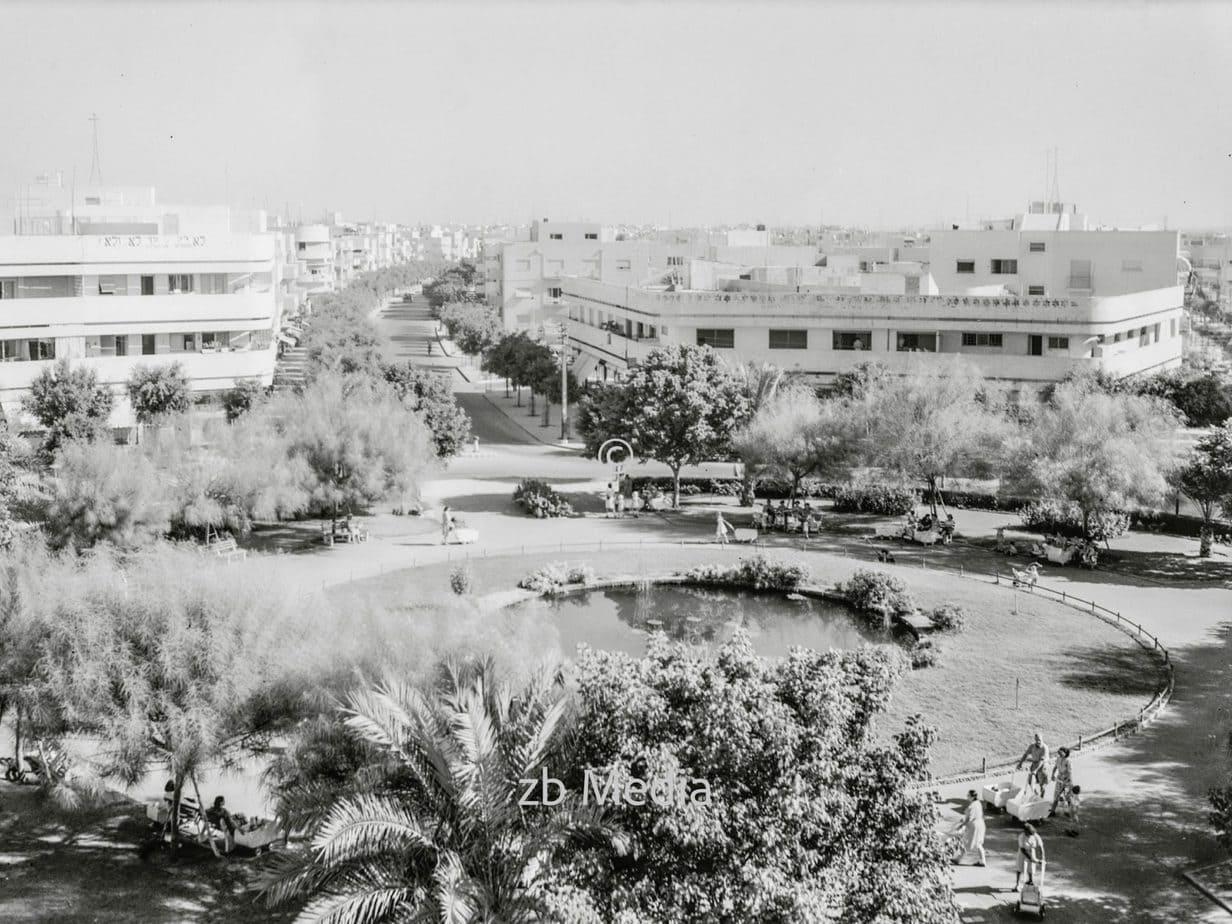 Tel Aviv. Dizengoff Circle 1935
