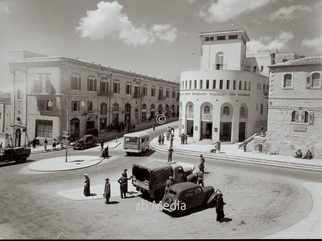 Neues Rathaus in Jerusalem mit Barclay's Bank 1939