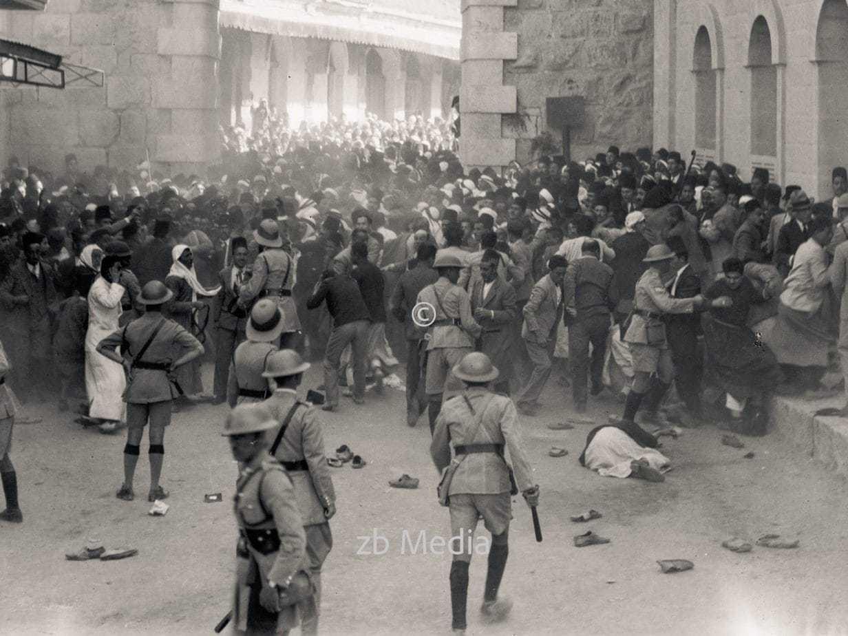 Arabische Demonstration am Neuen Tor in Jerusalem 1933