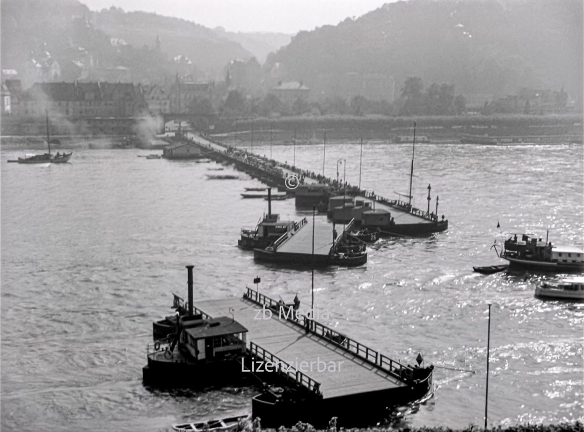 Fährbrücke am Rhein bei Königswinter 1937
