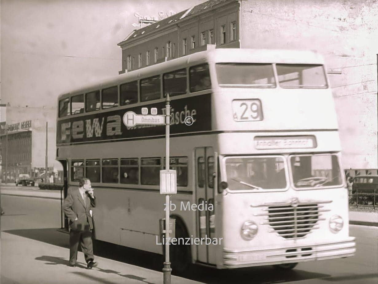 Bushaltestelle Berlin 1955