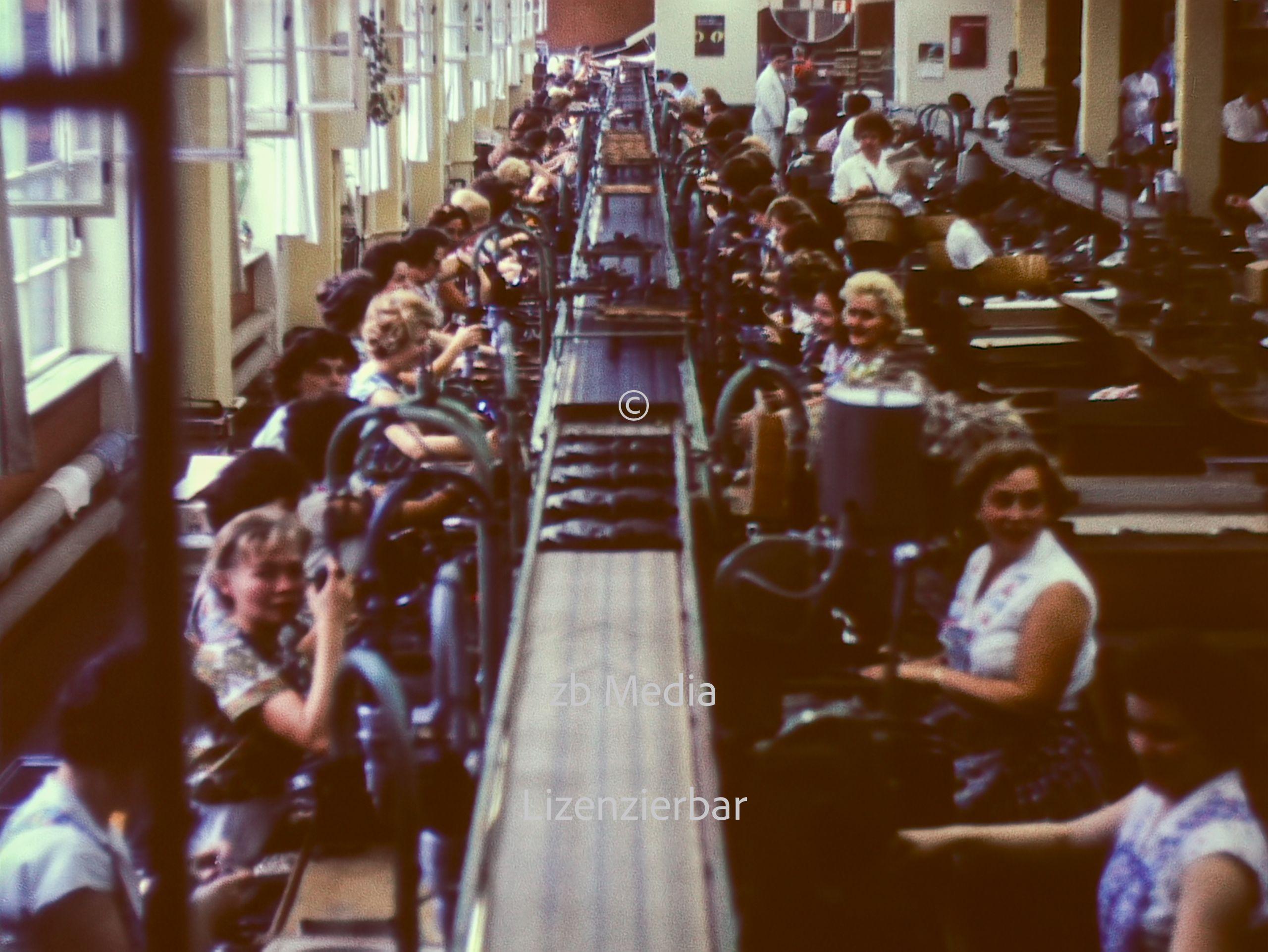 Fabrikarbeiterinnen in Berlin 1961