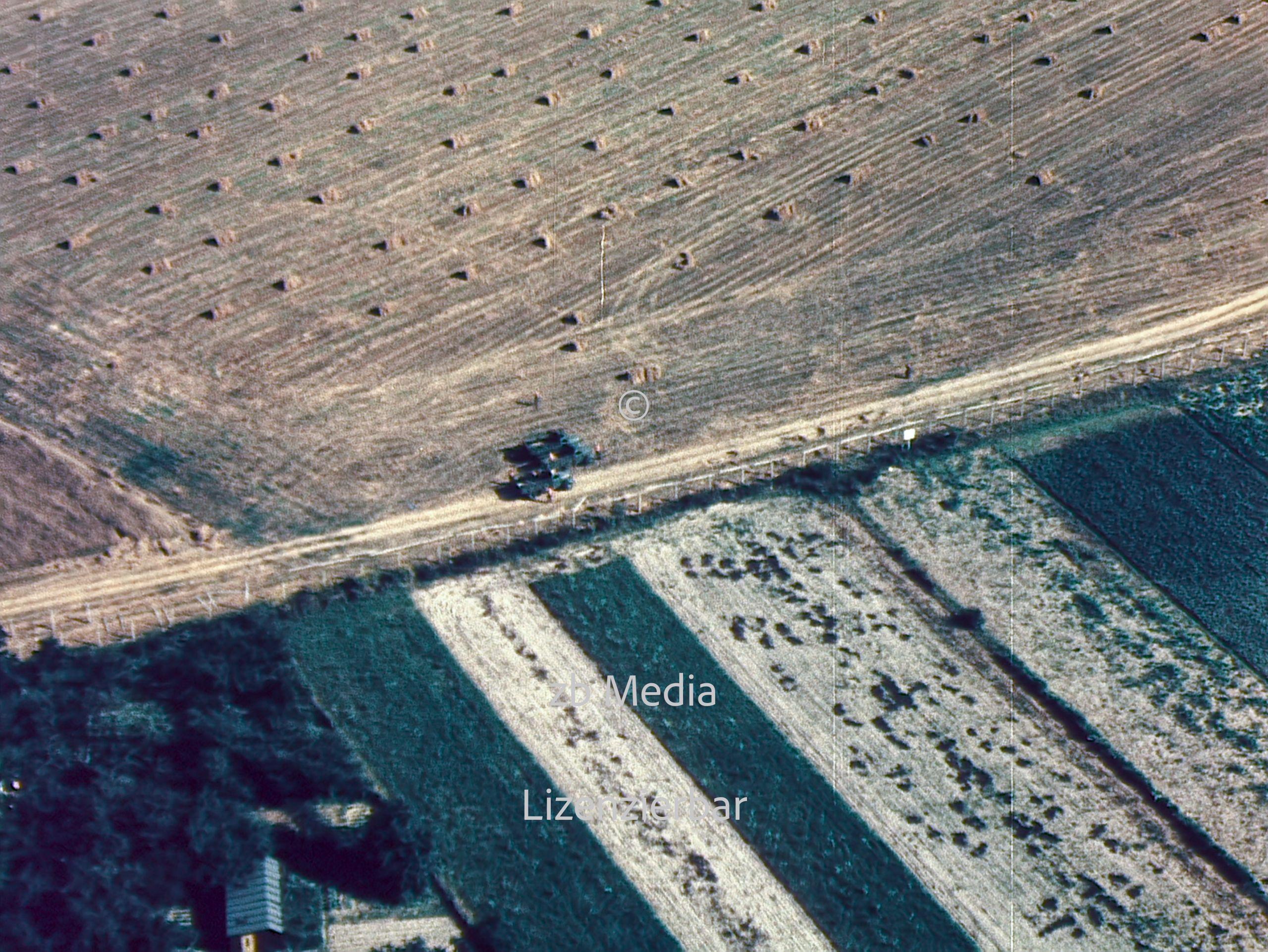 Flugaufnahme der Sektorengrenze in Berlin 1961