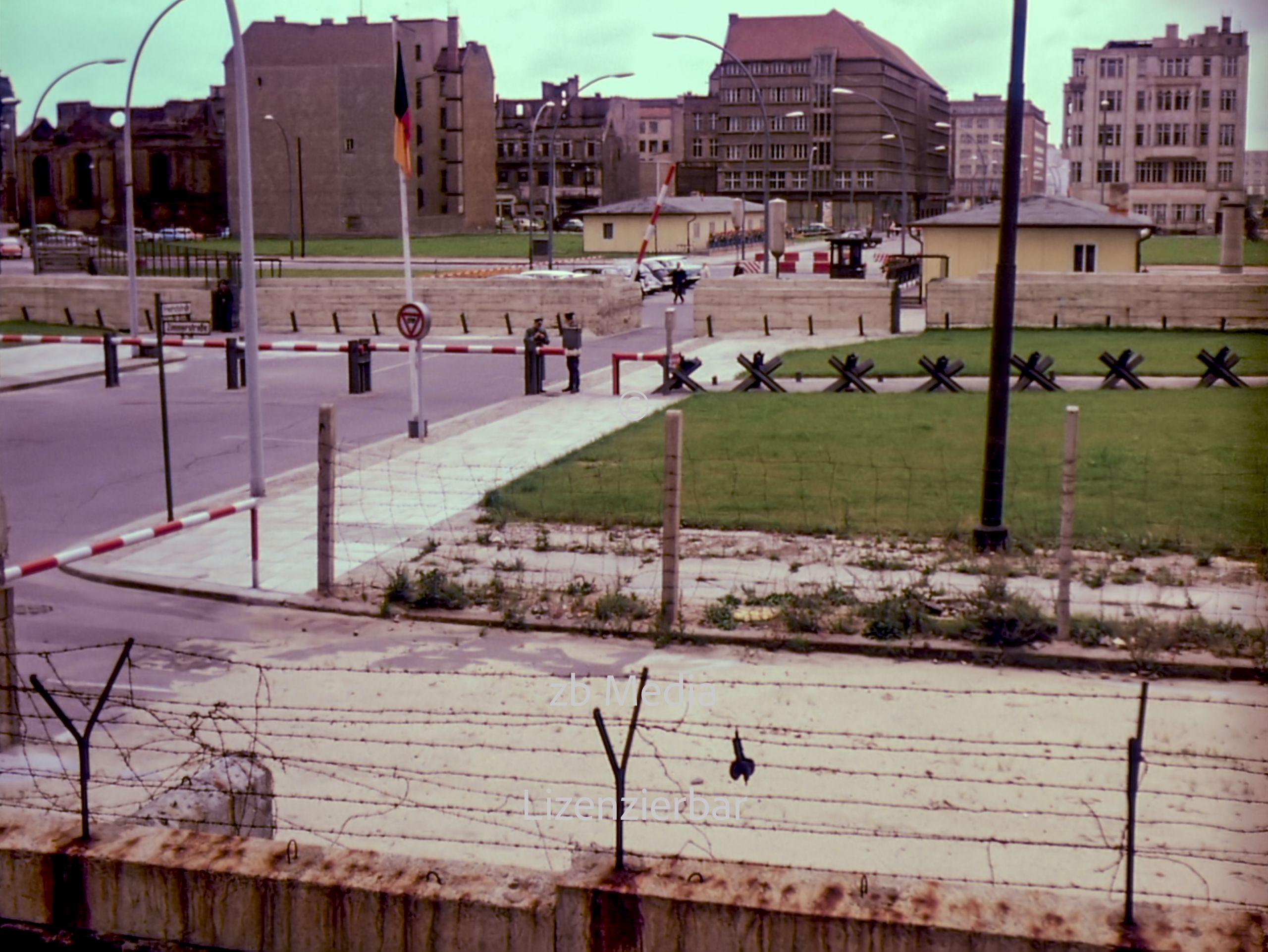 Checkpoint Charlie Berlin 1961