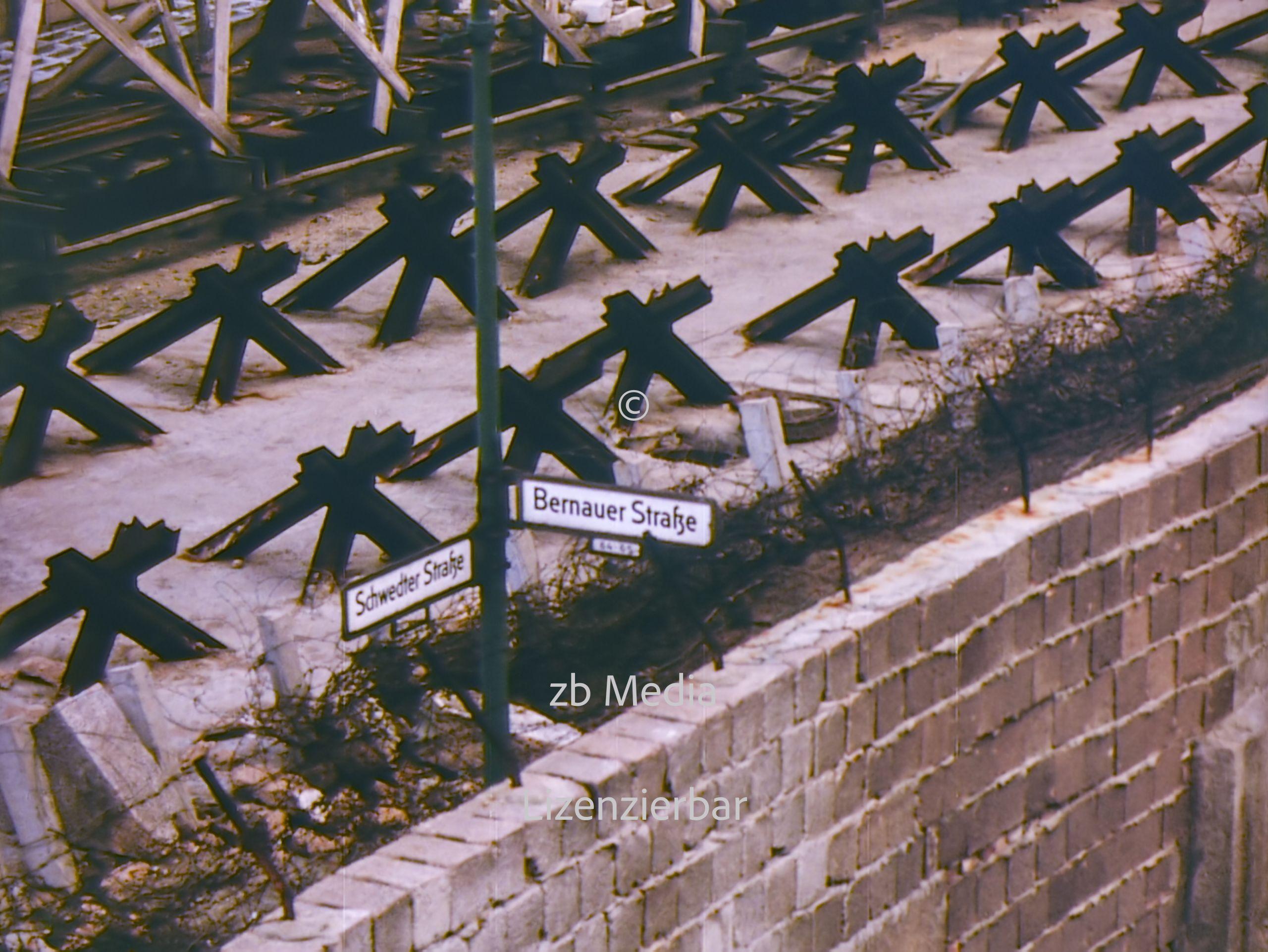 Berliner Mauer an der Bernauer Straße 1961