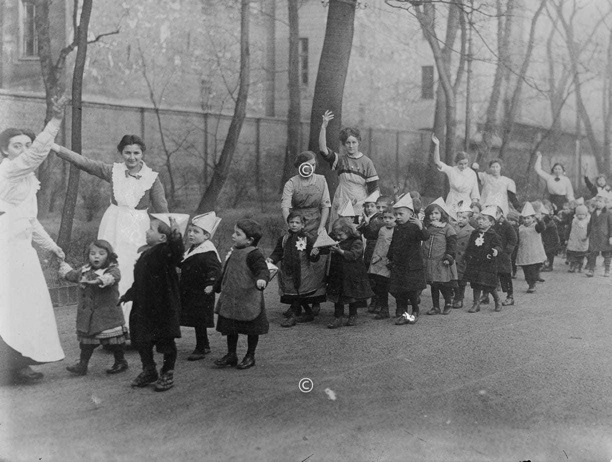 Kindergarten in Berlin während des 1. Weltkriegs
