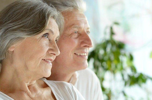 Mit ihrer Leibrente zufriedene Senioren aus Nürnberg
