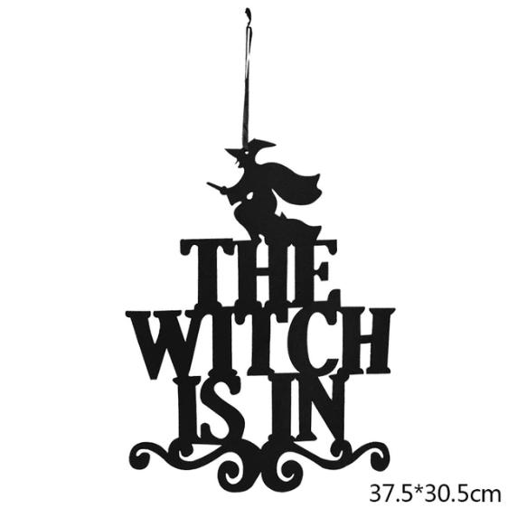 Deurhanger the witch is in