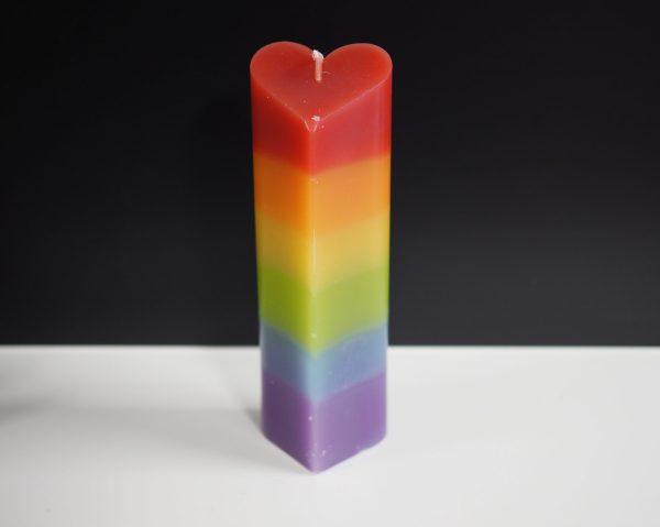 harvormige kaars regenboogkleuren