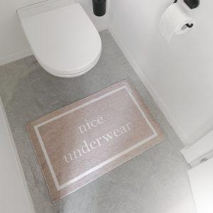 nice underwear deurmat