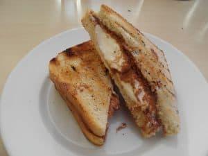 Grillet dessert sandwich