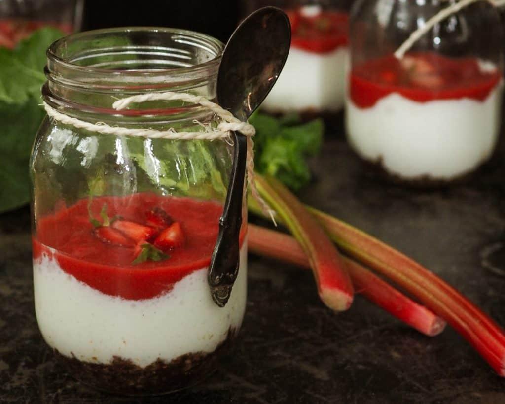 Glutenfri cheesecake med rabarber