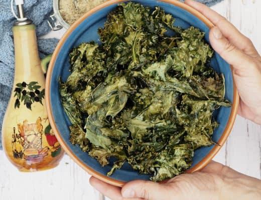 Grønkålschips med kryddersalt