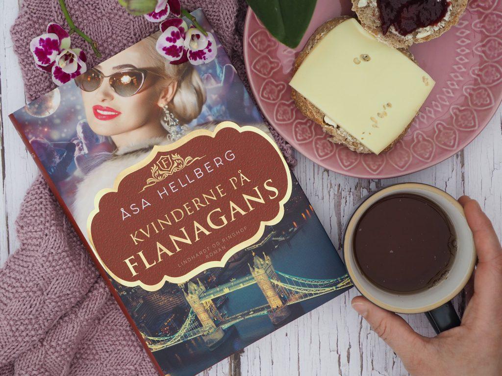 Kvinderne på Flanagans boganmeldelse