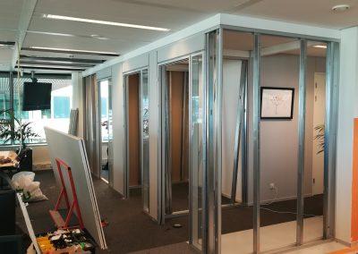 kantoor Youvia Amsterdam -soloplekken en dichtzetten gang in aanbouw noordgevel