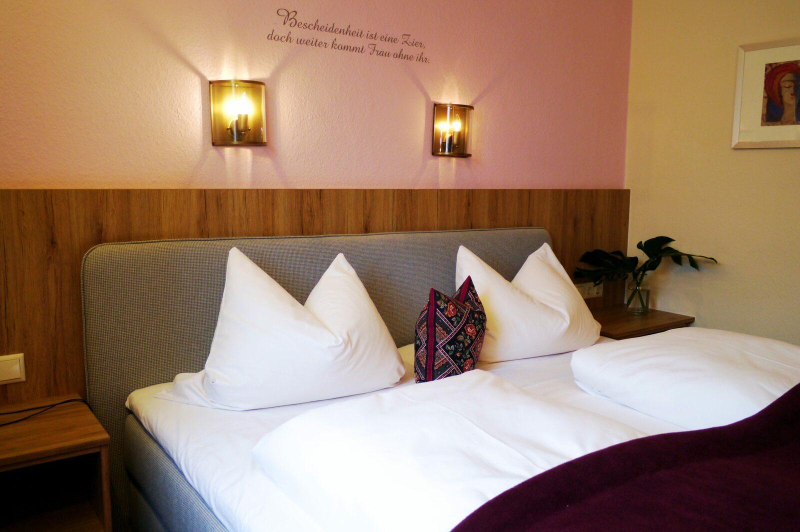 Hotel Grader 16