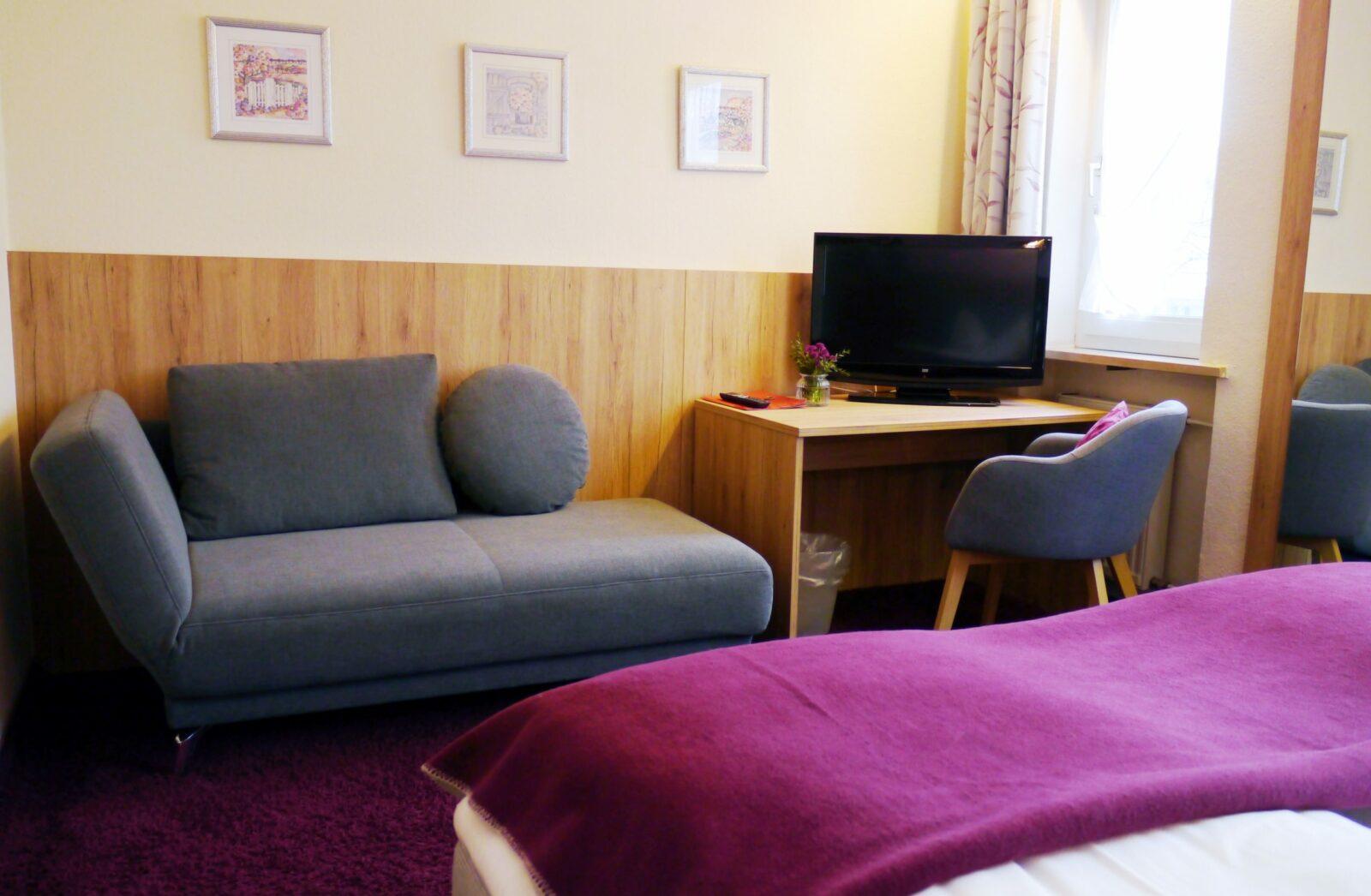 Hotel Grader 14