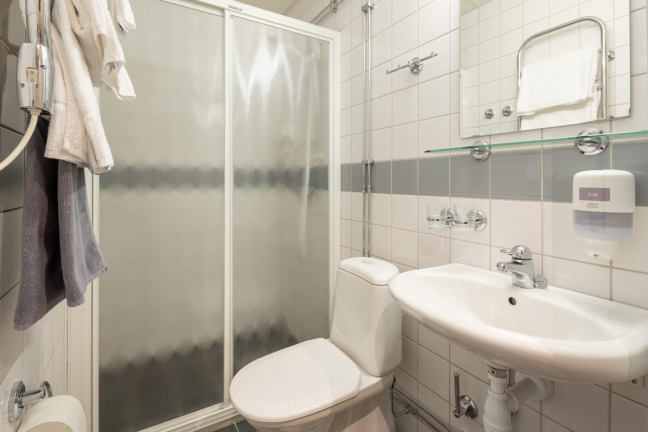 Hotell_Leksand_badrum101-1-X2