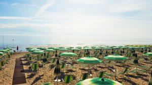 spiaggia hotel mare pineto
