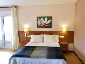 Habitación doble una cama con terraza y vistas