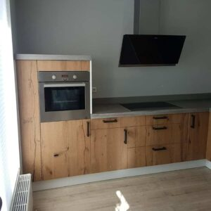 Betonnen keukenblad en houtenfronten Project 1.4