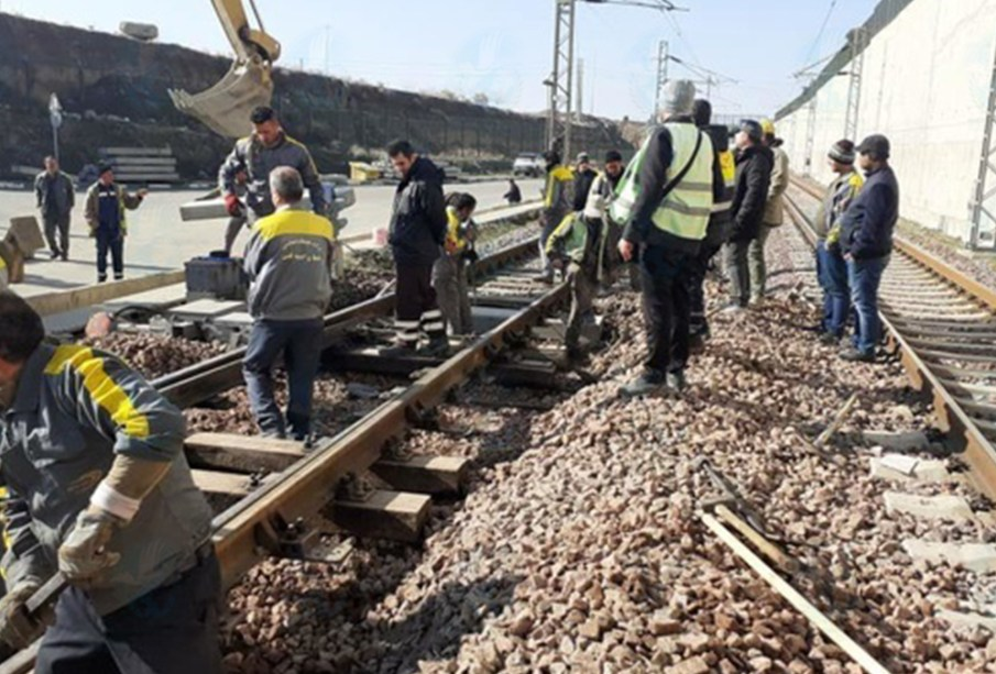 Workers of Shahroud Railway Buildings, 3 Months' Salary Arrears and Deprivation of Access to Masks, Gloves and Forced Labor on Quarantine Days