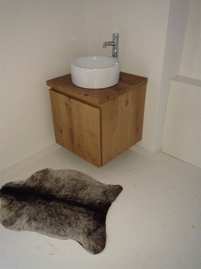 badkamermeubels zwevend   hout en vorm