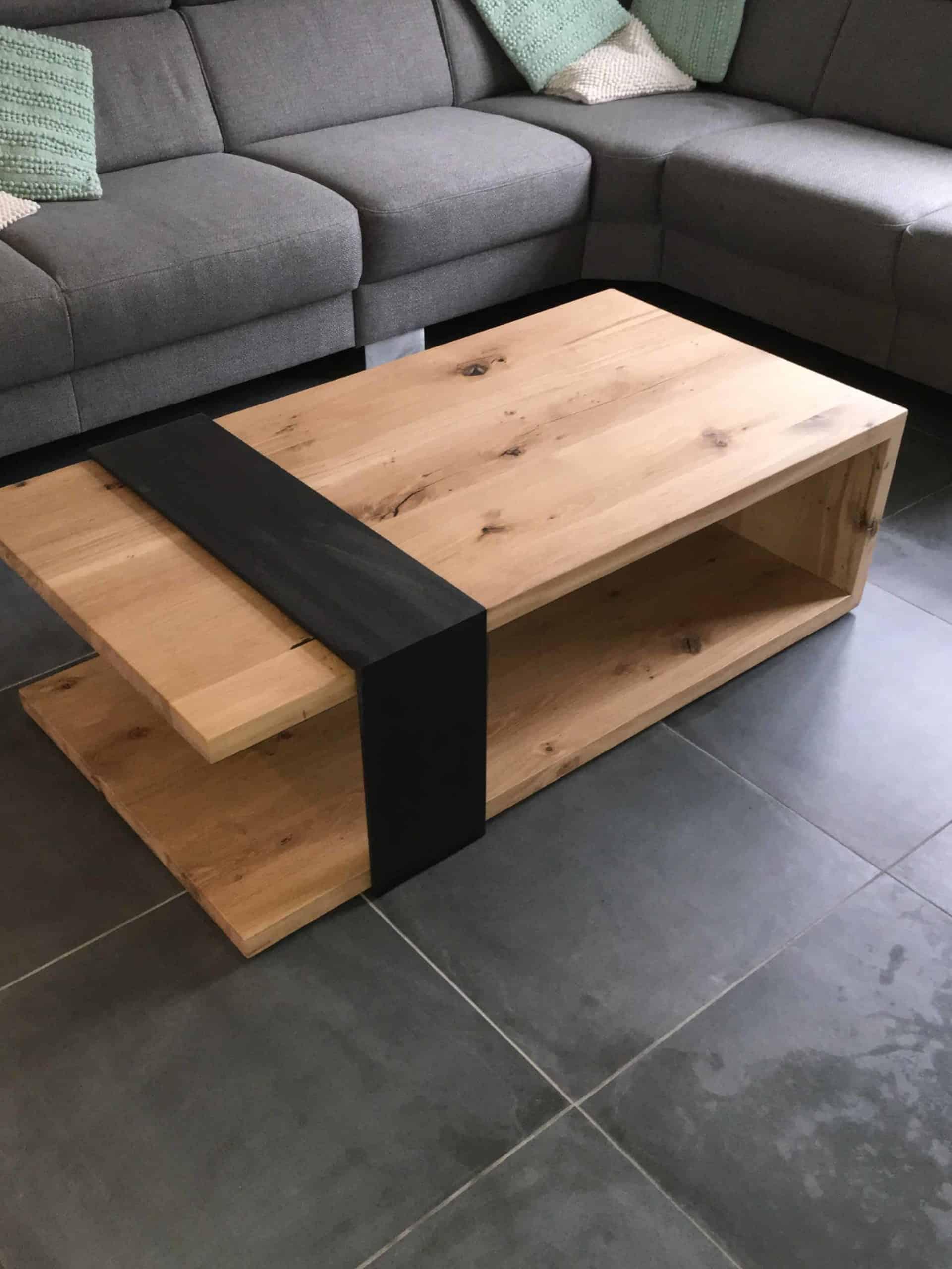 Eiken salontafel met stalen band