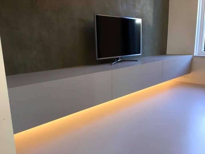 kasten Zwevend tv meubel met ingefreesde verlichting|hout en vorm