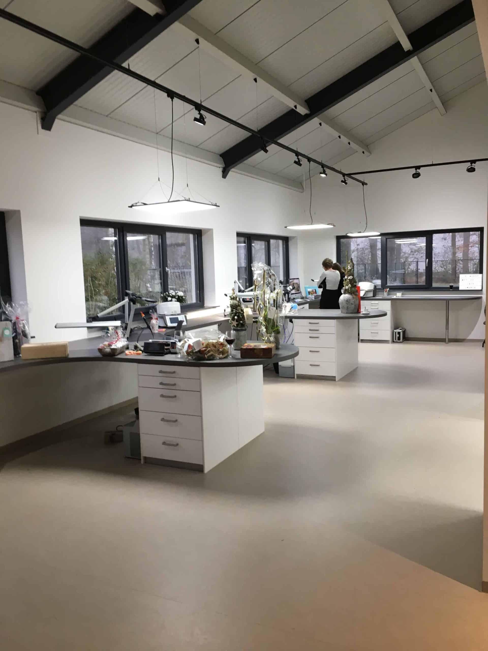 kantoorinrichting tandtechnisch laboratorium Van Boven Horst   Hout en Vorm