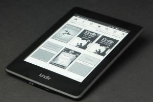 Kindle-Paper-White-flat-angle