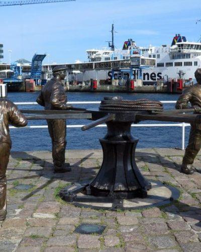 Skulpturgruppen som den såg ut hösten 2010 efter ingvigningen. Foto: Kulturmagasinet i Helsingborg.
