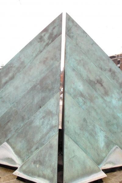 Skulpturen före konservering.