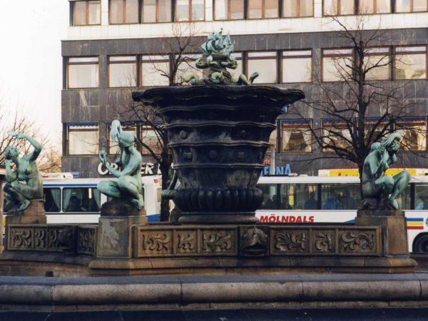 Järntorgsbrunnen innan konservering.