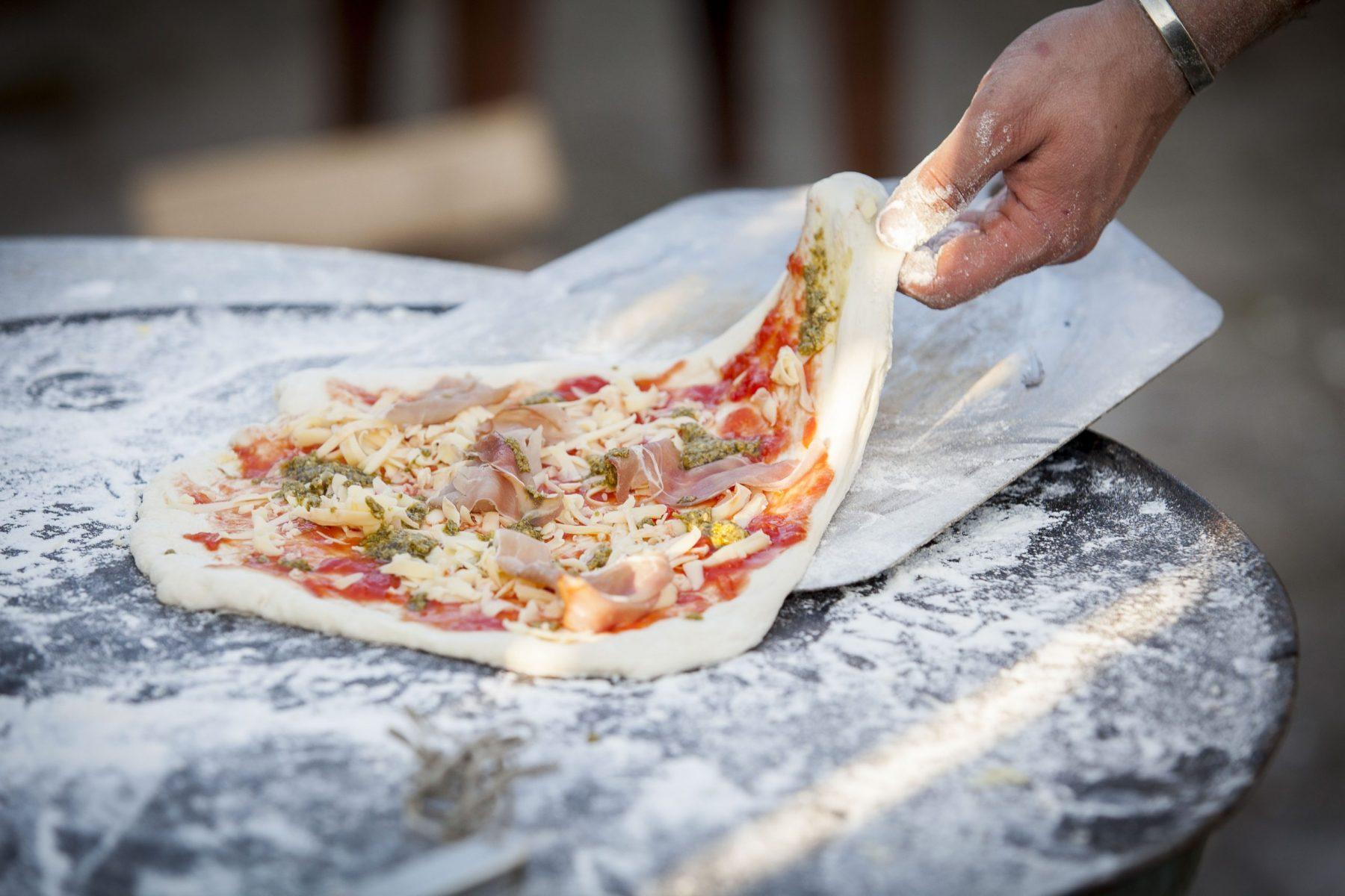 steke pizza ute pizzaovn