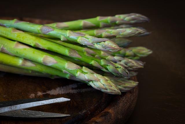 Which Vegetables To Plant In Hugelkultur beds? Asparagus