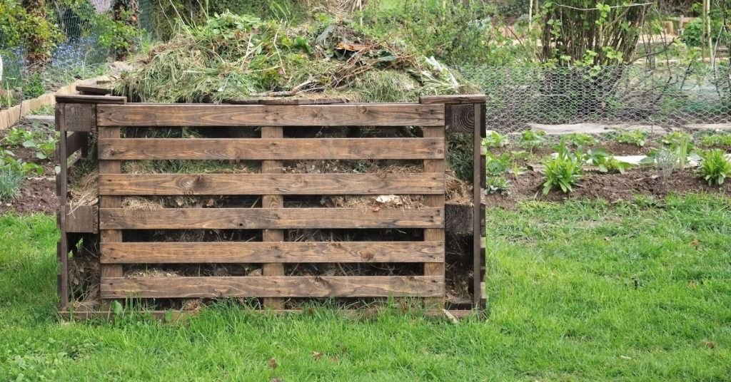 Compost bin made of old pallets