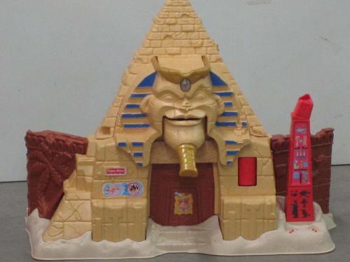 A167 - Secret treasures pyramide