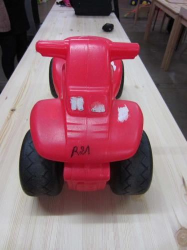 R21 - Rode zit auto