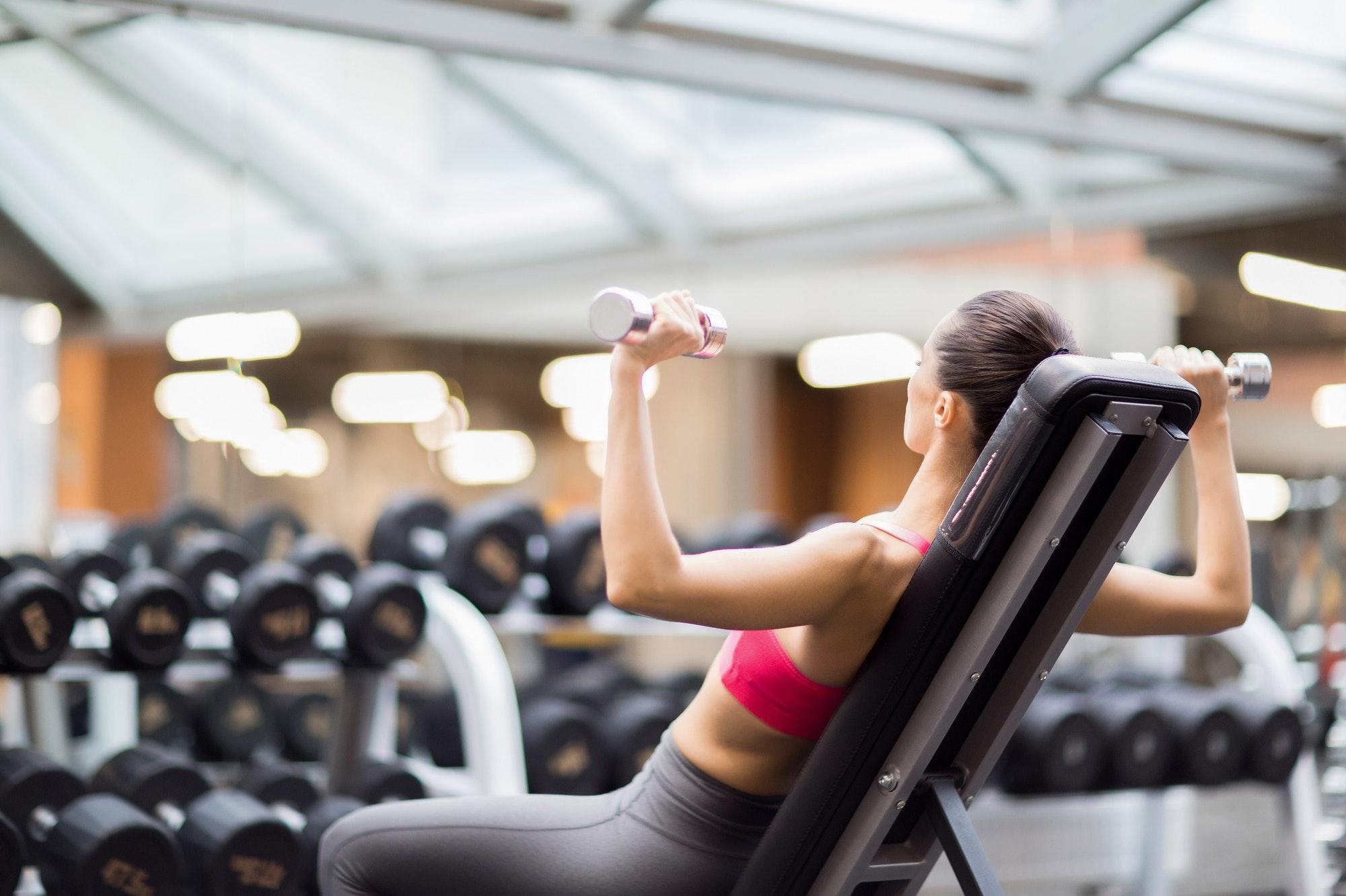 Hvordan bruger man bedst en træningsbænk?