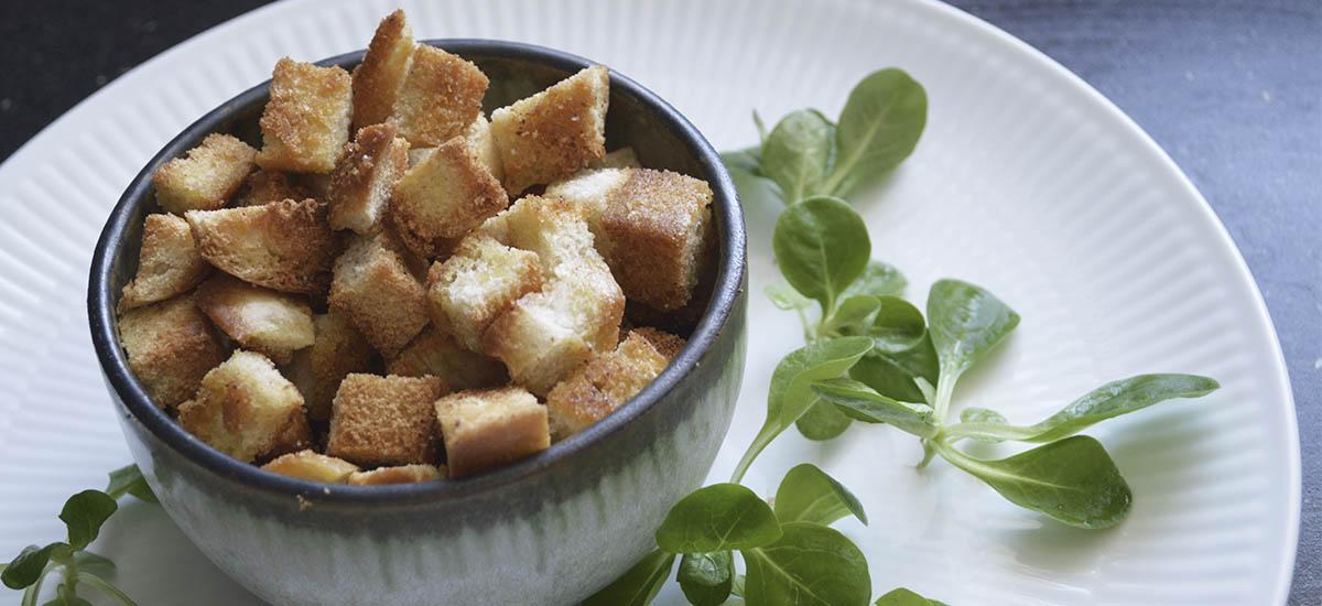 Hvidløgs croutons