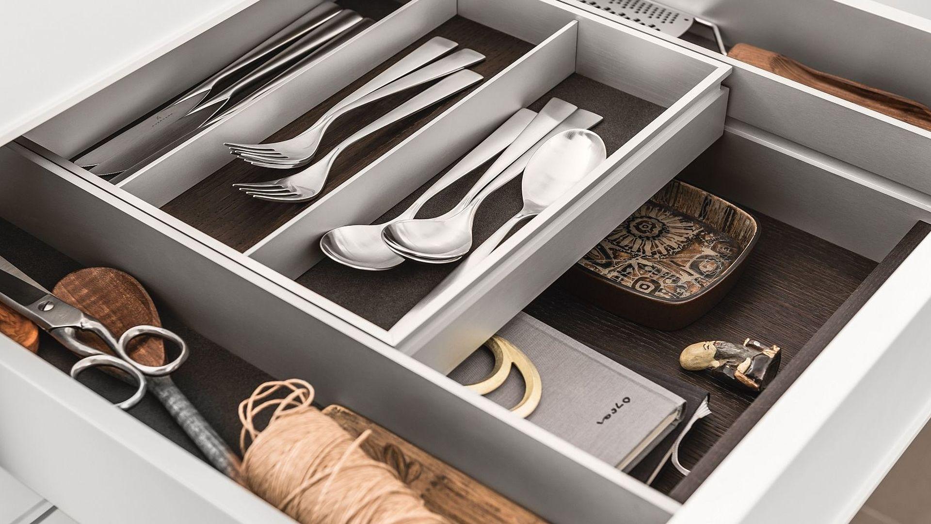 equipamiento cajones cocinas siematic cubertero doble