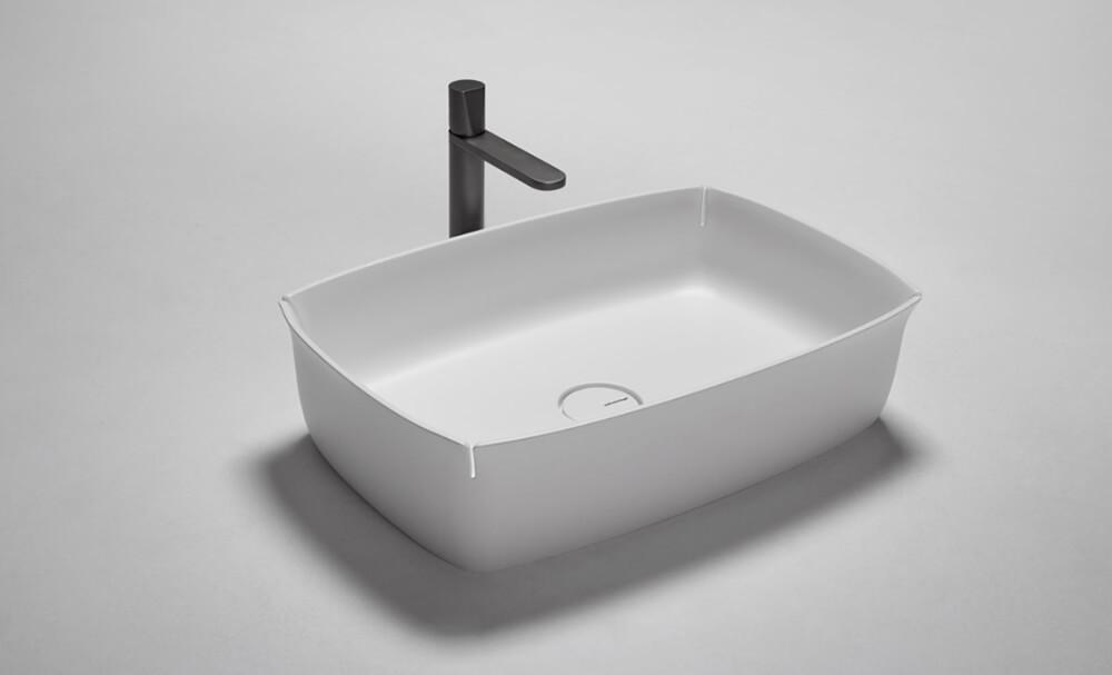 Bloom de Antonio Lupi, el lavabo fabricado con flumood