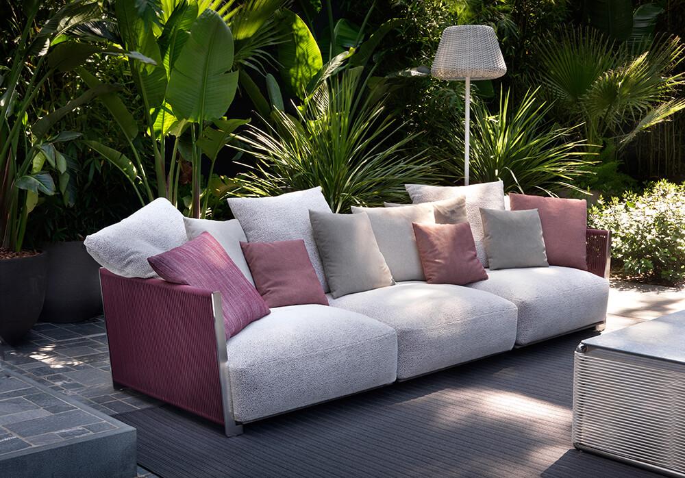 Flexform sofá Vulcano con texturas aterciopeladas