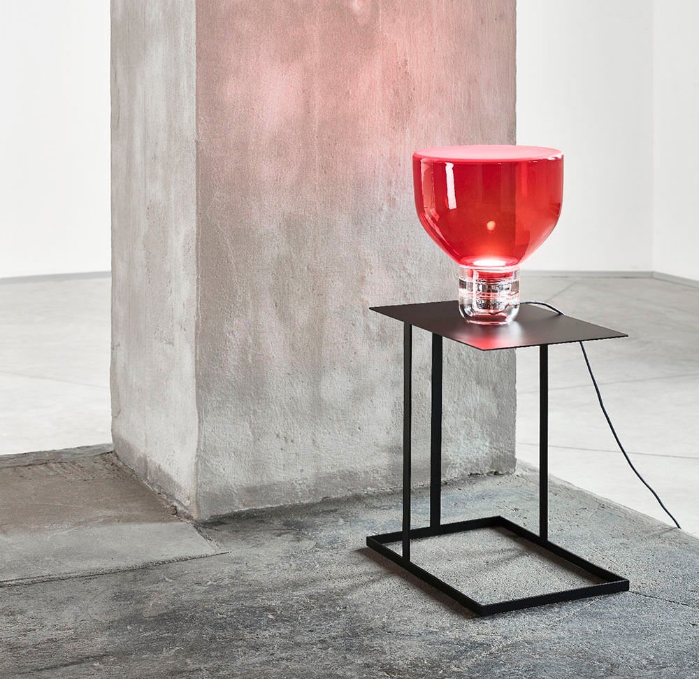 Lámpara de cristal de color Rojo, modelo Lightline de Brokis
